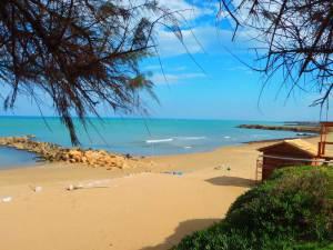 04-beach-of-Zorbas-island-Crete