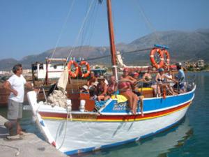 14 boat on crete
