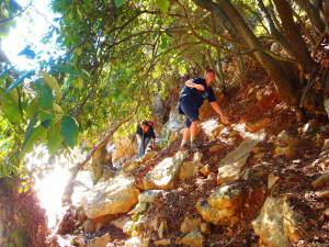 15-Extreme-walking-in-Crete-Greece