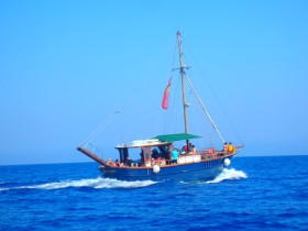 Boat trips and excursions on Crete Greece (38)